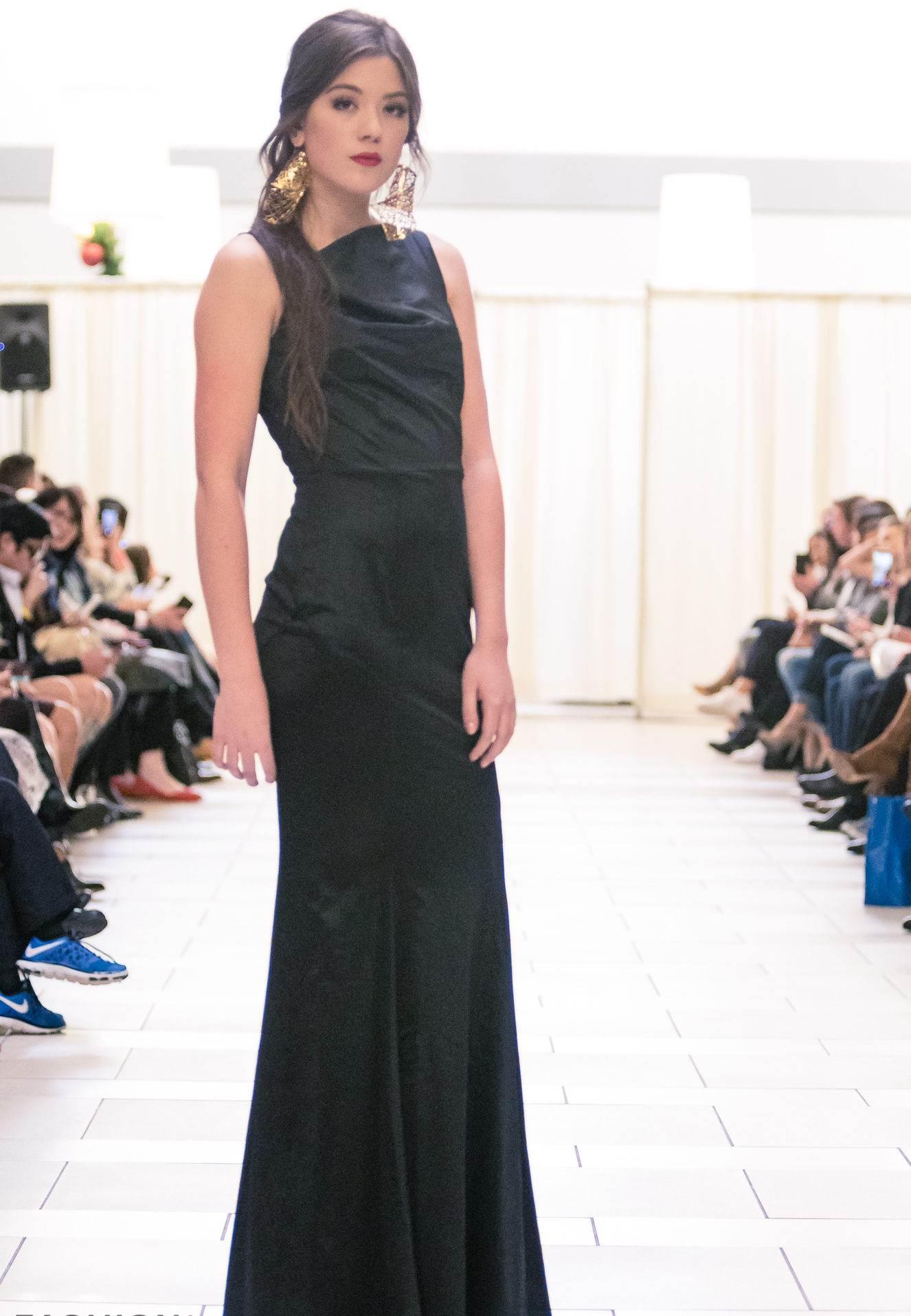Black modern dress - Buy Designer Sleek Black Modern Gown For Women Online Kahini Kreative