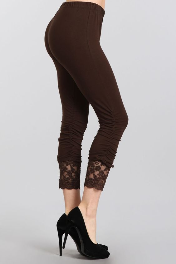 black-designer-leggings-seattle-fashion-bellevue-shopping2