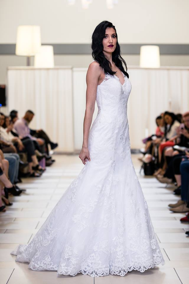 alfred angelo lace rim full side