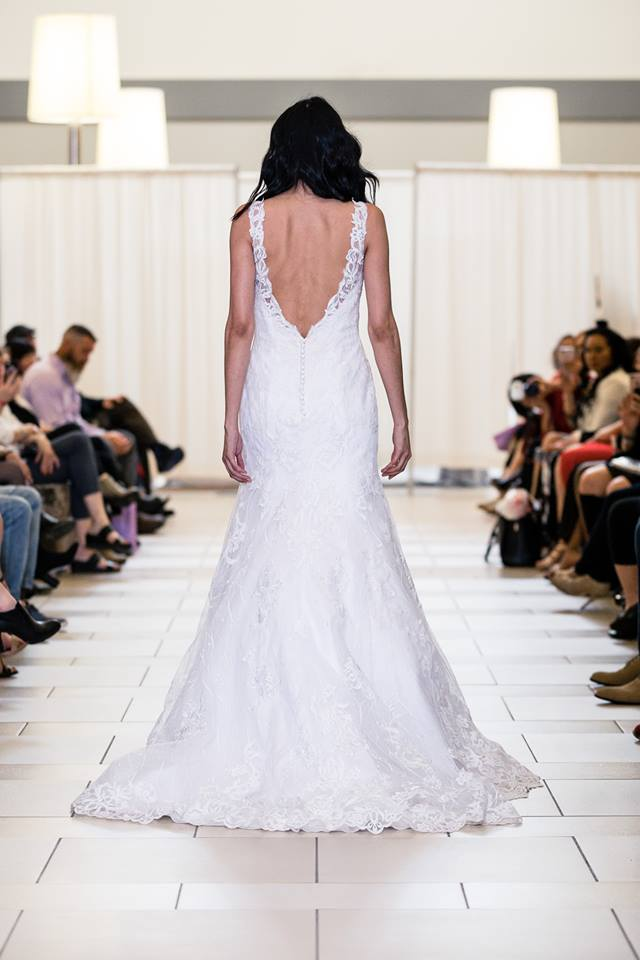 alfred angelo lace rim full skirt BACK